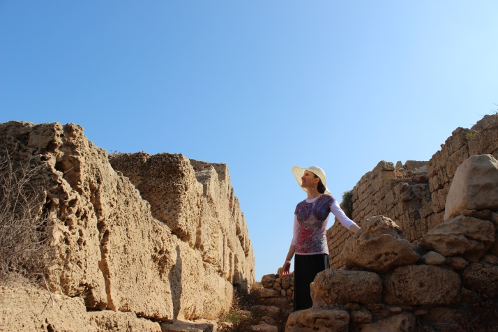 In Tantura - Hof Dor - exploring the excavations!
